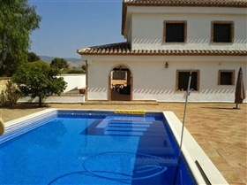 Ontinyent, Villa