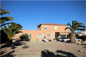 Monóvar, Villa