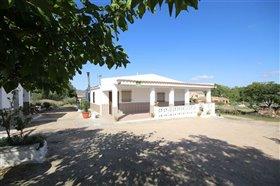 Image No.2-Villa de 5 chambres à vendre à Yecla