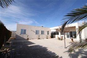 Image No.16-Villa de 4 chambres à vendre à Monóvar