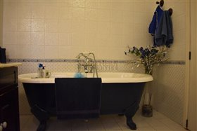 Image No.10-3 Bed Property for sale