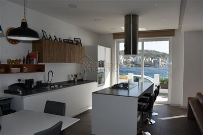 1 - Manikata, Apartment