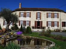 Montguyon, Country Property