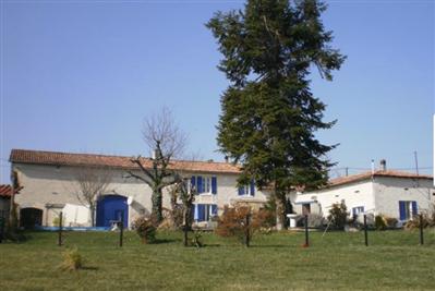 1 - Montboyer, Farmhouse