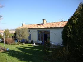 1. 4 Bed Country House for sale