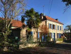 Montguyon, Country House