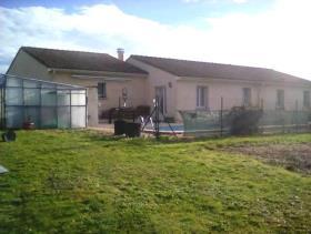 Montmoreau-Saint-Cybard, Bungalow
