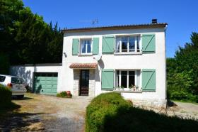 Salles-Lavalette, Country House