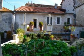 Verteillac, Village House