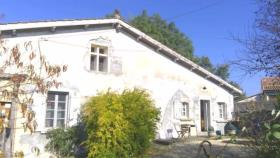 Saint-Aigulin, Country House