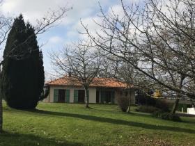 Berneuil, Bungalow