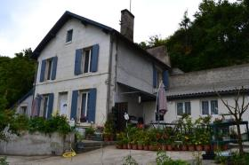 Image No.0-Maison de village de 4 chambres à vendre à Ribérac