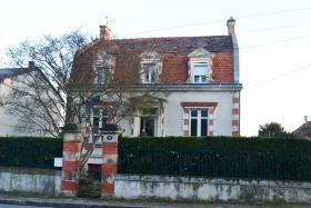 Image No.0-Maison de ville de 4 chambres à vendre à Ribérac