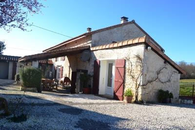 1 - Villebois-Lavalette, Farmhouse