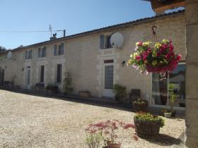 Image No.1-12 Bed Country House for sale