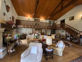 Image No.6-Maison de 5 chambres à vendre à Saint-Aigulin