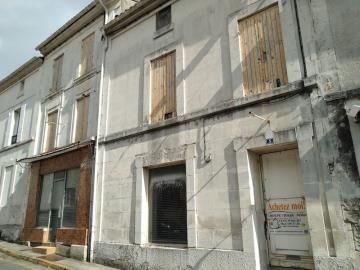 1 - Archiac, Townhouse
