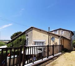 Image No.0-Chalet de 2 chambres à vendre à Bouteilles-Saint-Sébastien