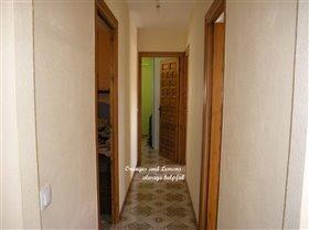 Image No.42-4 Bed Villa for sale