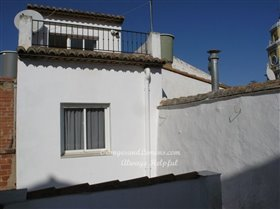 Image No.48-3 Bed Village House for sale