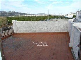 Image No.8-Maison de campagne de 3 chambres à vendre à Beniarjo