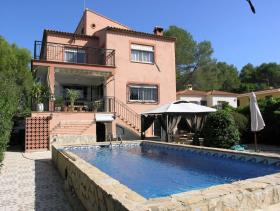 Image No.0-6 Bed Villa for sale