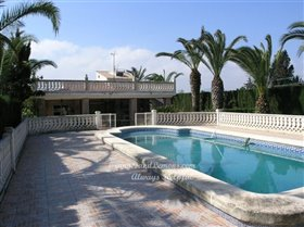 Image No.1-Villa de 4 chambres à vendre à Oliva