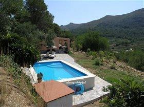 Image No.25-2 Bed Villa for sale
