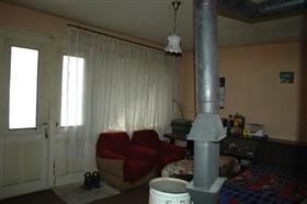 Image No.13-Propriété de 4 chambres à vendre à Slivo Pole