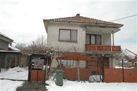 Image No.1-Propriété de 4 chambres à vendre à Slivo Pole