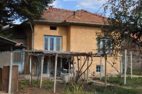 Image No.1-Maison de village de 2 chambres à vendre à Rusalya