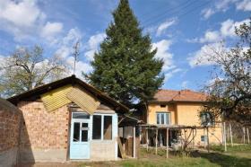 Image No.2-Maison de village de 2 chambres à vendre à Rusalya
