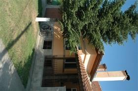 Image No.2-Propriété de 4 chambres à vendre à Ruse