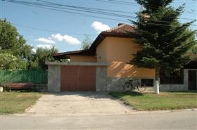 Image No.3-Propriété de 4 chambres à vendre à Ruse