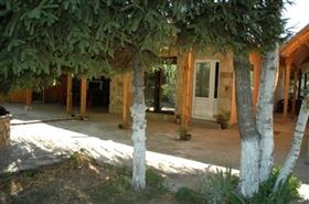 Image No.4-Propriété de 4 chambres à vendre à Ruse