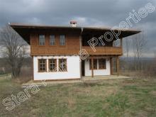 Ruhovtsi, Property