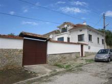 Image No.2-Maison de 4 chambres à vendre à Dobromirka