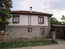 Image No.1-Propriété de pays de 3 chambres à vendre à Yalovo