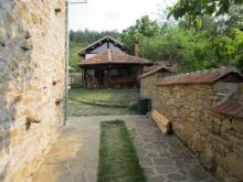 Image No.3-Propriété de pays de 3 chambres à vendre à Yalovo