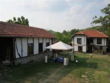Image No.4-Propriété de pays de 3 chambres à vendre à Yalovo