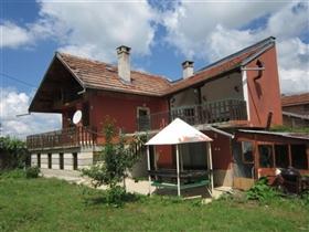Image No.1-Maison de 4 chambres à vendre à Plakovo