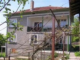 Image No.1-Propriété de 4 chambres à vendre à Vetovo