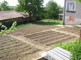 Image No.4-Propriété de 4 chambres à vendre à Vetovo