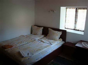 Image No.14-5 Bed Property for sale