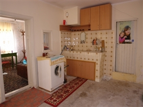 Image No.10-Propriété de 3 chambres à vendre à Batishnitsa