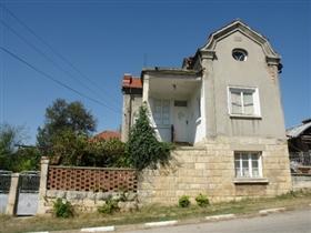 Image No.2-Propriété de 3 chambres à vendre à Batishnitsa
