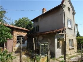 Image No.3-Propriété de 3 chambres à vendre à Batishnitsa
