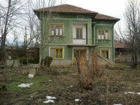 Patresh, House