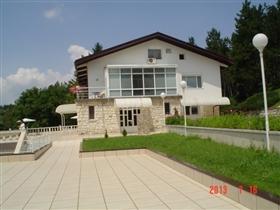 Image No.3-Propriété de 8 chambres à vendre à Pleven