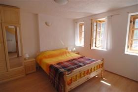 Image No.3-Propriété de 3 chambres à vendre à Smolyan